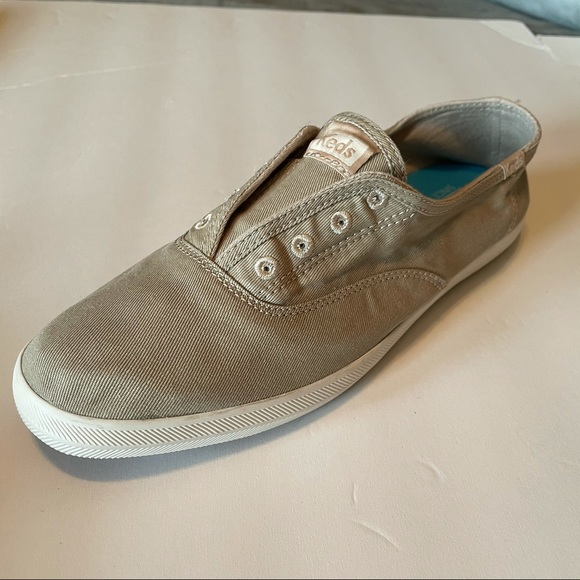 Keds Tan Chillax Slip on Sneakers in size 9